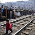 Трущобы в быстрорастущих городах Китая - одна из самых серьёзных проблем. Их рост за последние годы был просто ошеломительным и постоянно подстегивался перетоком рабочей силы из сельской местности
