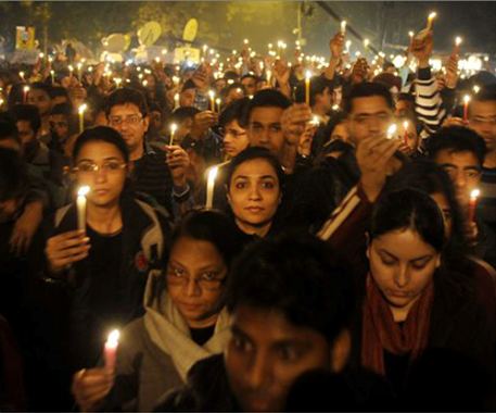 Массовые демонстрации, после обнародования факта об убийстве