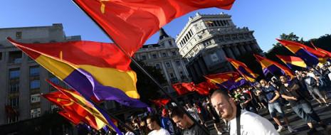 Согласно обнародованным сегодня данным опроса, проведенного компанией Metroscopia, 62 процента испанцев одобряют предложение провести референдум по вопросу «Монархия или республика?»