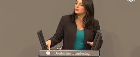 По интернету ходят слухи о замечательной речи депутатки Линке Севим Дагделен в Бундестаге. Действительно, такая реплика имела место . В ответ на выступление депутатки от Зеленых Гёринг-Экардт, которая попыталась...