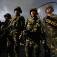 Долгое противостояние между экс-нынешним правительством Чинават, поддерживаемой радикально настроенными, и демократически и националистически, мелкобуржуазными слоями и рабочими тайского...