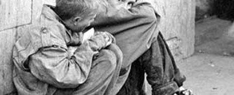 Как известно, с началом рыночных реформ в 92 году нас наблюдается «русский крест», когда смертность подскакивает, а рождаемость падает. «Крест», впрочем, не только русский...