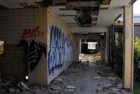 14_Detroit_school