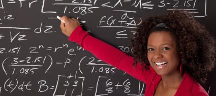 Согласно данным Международной программы по оценке образовательных достижений учащихся (PISA) в странах, где в большей степени достигнуто равноправие, разница между баллами девочек и мальчиков по математике исчезает.