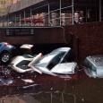 Американский Красный Крест поступает очень плохо, держа в секрете то, как он потратил более 300 миллионов долларов, выделенных на помощь пострадавшим от урагана Сэнди.