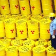 16 июля 1979 года — день самой большой в мире утечки радиоактивных отходов. Это произошло в Чёрч-Рок (Нью-Мексико), примерно в 100 милях на запад от Аризоны. Там было сброшено 1000 тонн тяжёлых радиоактивных отходов и 93 миллионов...