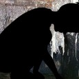 В 1995 году в западной Ирландии несколько маленьких мальчиков наткнулись на захороненные трупы за потрескавшимся бетоном. Это оказалось стенками выгребной ямы под старым зданием, разрушенным несколько...