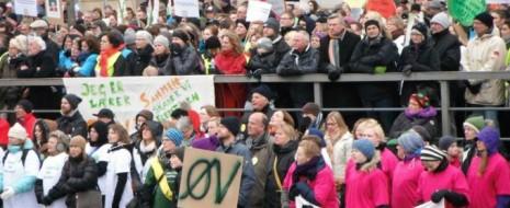 """В конце января - начале февраля 2014 развалилась датская правящая левоцентристская коалиция партий """"Социал-демократы"""" (SD, СД), Социалистической народной (SF, СНП) и вполне себе центристов - социал-либералов """"Radikale Venstre"""" (хотя буквально их название с долгим историческим бэкграундом значит """"радикальные левые"""")."""