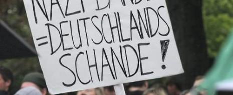 """Спустя две недели после выборов в ландтаг Саксонии в ФРГ состоялись голосования ещё в двух восточных землях - Бранденбурге и Свободном государстве Тюрингия. Уровень участия избирателей в выборах 14 сентября 2014, продолжая """"саксонский тренд"""" в 49,2%..."""