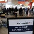 """Как ни обрушиваются французские правительственные чины с критикой на бастующих с 15 сентября 2014 пилотов """"Air France"""", ни им, ни администрации компании не удаётся прекратить протесты. 26 сентября авиаперевозчик осуществил лишь 48% своих рейсов. Более прочих участие в забастовке отмечено в аэропортах юга Франции. Профсоюзы SNPL и SPAF заявляют, что..."""