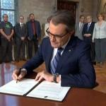 Артур Мас подписал декрет о проведении референдума