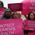 В клиниках по проведению абортов уже действуют правила техники безопасности, и, по словам медицинских экспертов, нет никаких доказательств, что дополнительные хирургические ограничения «положительно повлияют на здоровье», а эти требования могут резко...