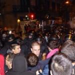 Полиция разогнала палаточный городок сторонников референдума перед представительством правительства