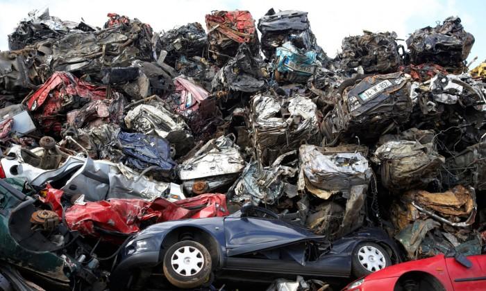 Плоды экономии на регенерационных затратах: свалка машин в Ольстере