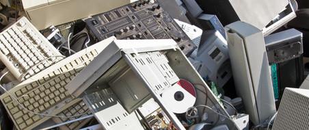 Print PDF Комаров С.М. Для того, чтобы что-то очистить, надо что-то испачкать. Но можно перепачкать все, ничего при этом невычистив. Третий закон экологии Большинство электронных материалов, созданных в XXвеке, требуют […]