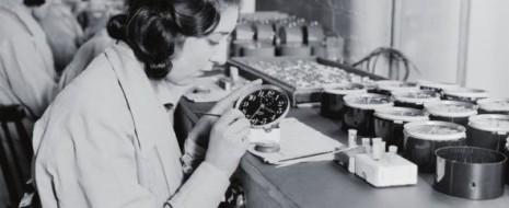 Радиевые девушки были родом из небольшого городка в штате Нью-Джерси. Они работали на местной фабрике, где окрашивали циферблаты люминесцентных часов, нового...