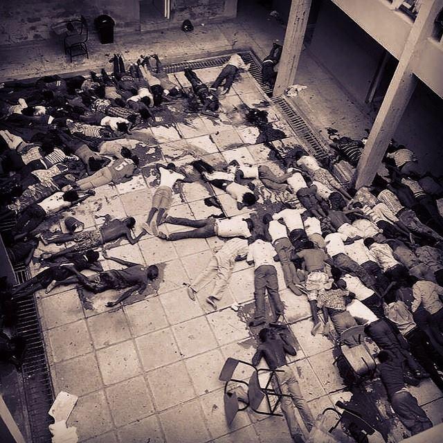 На фото слушатели христианской школы в Кении, жертвы сомалийских джихадистов, апрель 2015 г. Тогда было убито 217 человек.