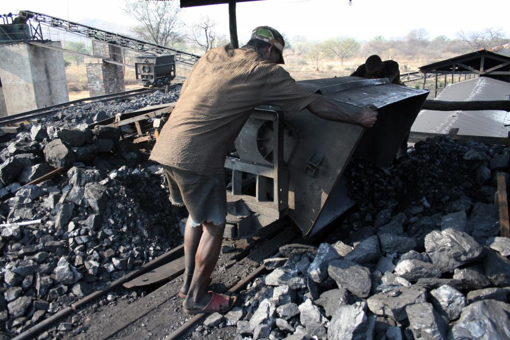 coal_miner_in_zambia_chinese_mine-1