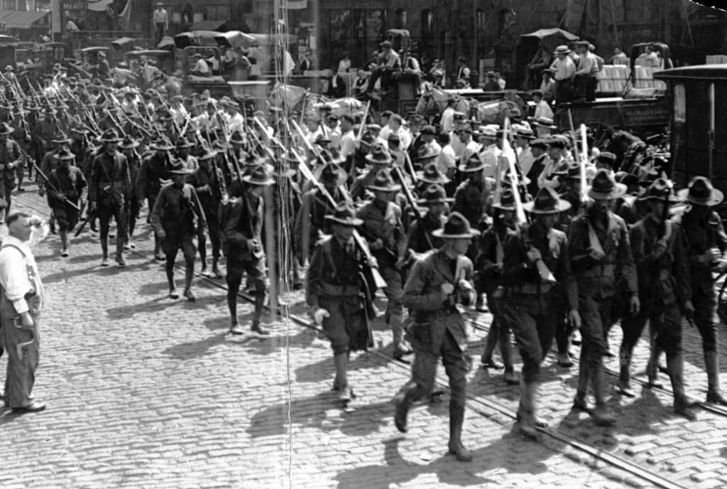 Нацгвардия Иллинойса входит в Чикаго для подавления беспорядков (1919), фото 2