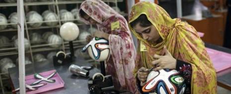Рассмотрение некоторых сторон экономической активности женщин в такой развивающейся мусульманской стране, как Пакистан, показывает, что ислам продолжает оказывать существенное влияние...