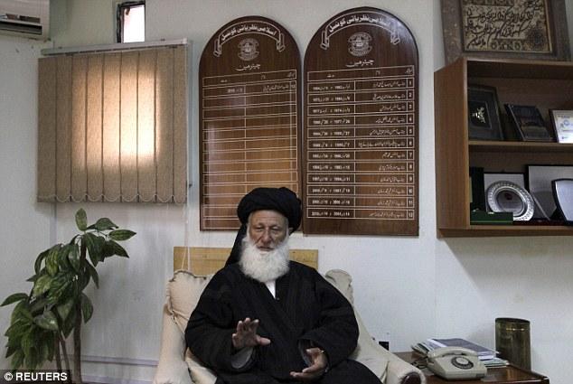 """Председатель Совета по исламской идеологии Мухаммад Хан Ширан, автор закона о """"лёгком битье"""""""