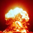 Просто представьте себе — ядерный гриб над Бостоном. Или нет — над Вашингтоном. Нет, нет, нет — ещё лучше, над военно-морской базой в Сан-Диего. На худой конец над Нью-Йорком. Десятки тысяч...