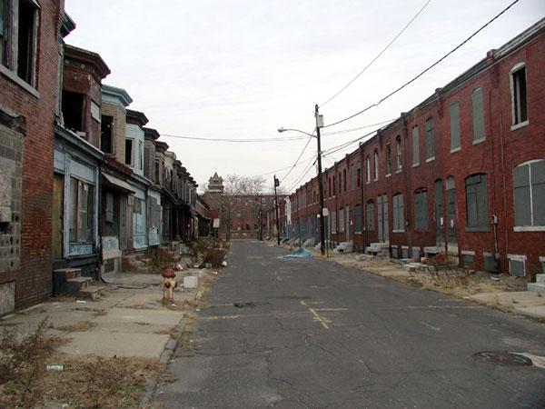 Городские районы США с низким уровнем коммунальных услуг, где живёт нижняя страта рабочего класса, т.н. underclass
