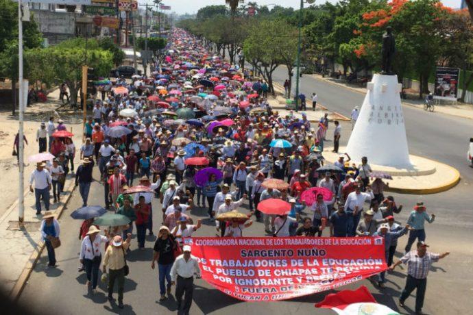 Манифестанты против Реформы образования, Тукстла-Гутьеррес, 2 июня 2016 г.