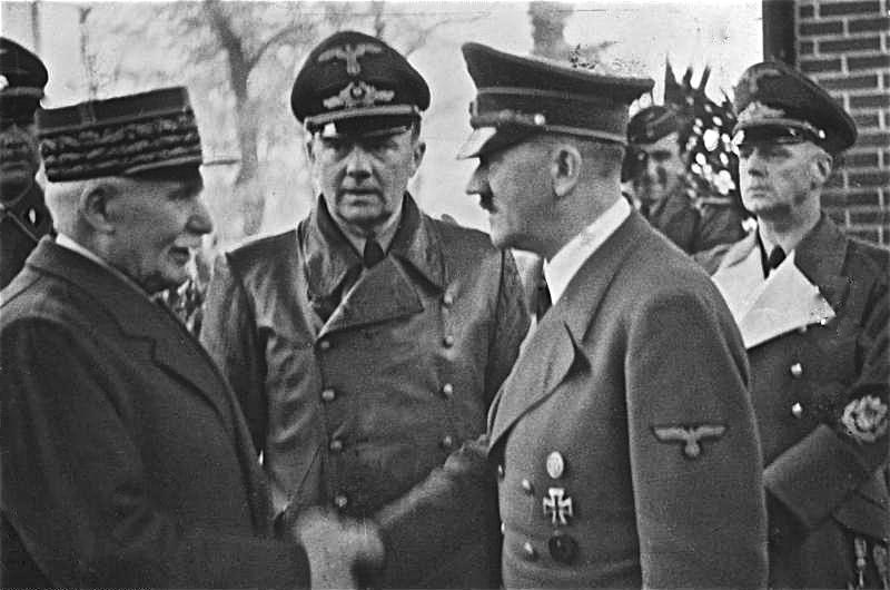 Маршал Франции приветствует немецких союзников по крестовому походу против большевизма. 1942 г., Бундесархив.