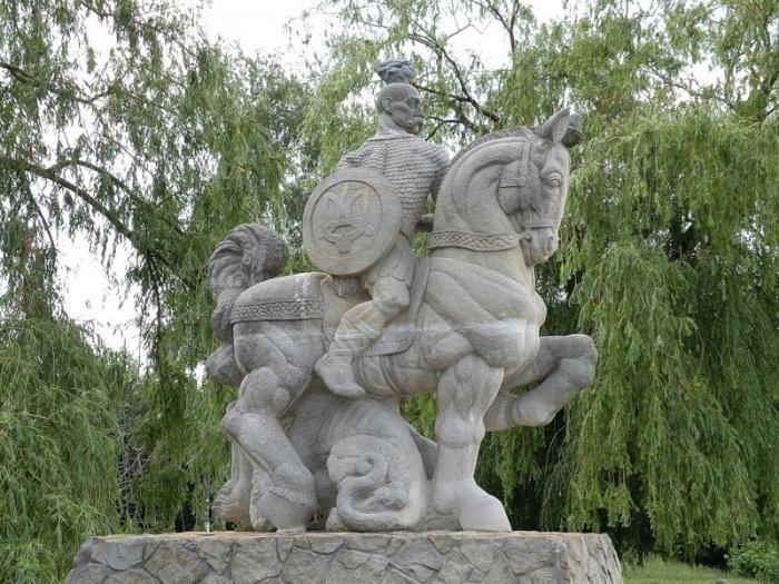 Памятник, названный «культуристом»
