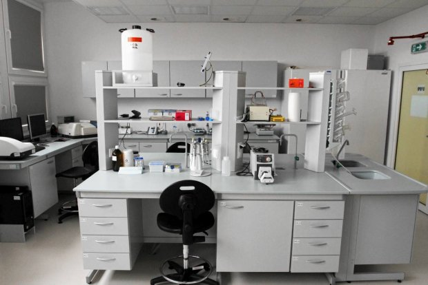 z12210476q-laboratorium