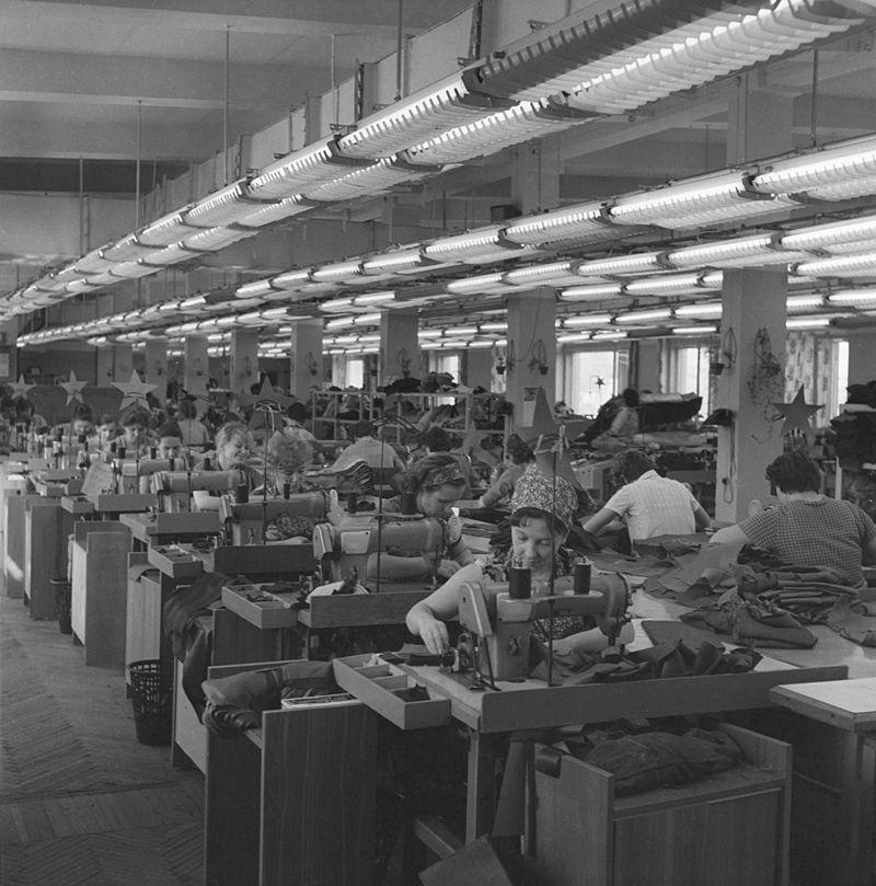 800px-RIAN_archive_901609_Bolshevichka_garment_factory