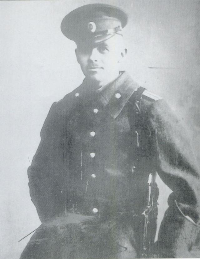 Виктор Львович фон Цур-Мюлен, одна из многих связующих нитей от русских белогвардейцев к гитлеровцам. Хотя и неглавная.