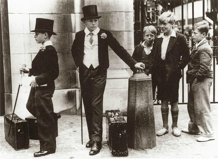 """""""Сливки общества и хулиганы"""" (1937). С тех пор изменилась лишь техника сепарации"""