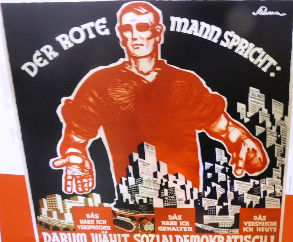 """Эта и другие фото - из музея """"Красной Вены"""" в общественной прачечной №2 жилищного массива Крал-Маркс-Хоф (одного из многих построенных для рабочих за счёт налога на буржуев - подоходного, прислугу и допметраж)"""