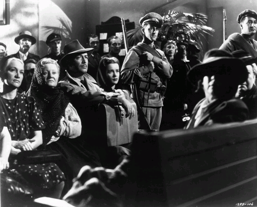 Роберт Тейлор (слева) в фильме «Песнь о России» (реж. Грегори Ратофф, 1944)