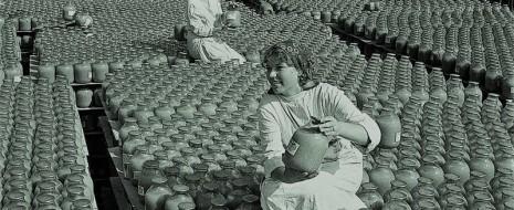 Я помню советский яблочный сок в банках со слоем осадка на дне. И последующее открытие чудесного прозрачного сока на Западе. Оказалось, что перед фильтрацией в сок добавляют пектиназы,...