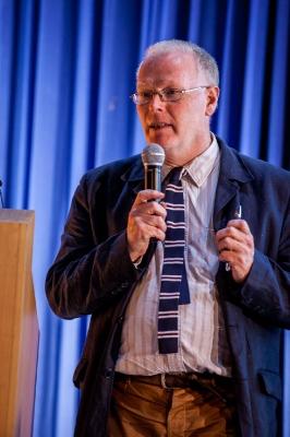Пол Кокшотт, специалист в области компьютерных наук, математик, экономист.