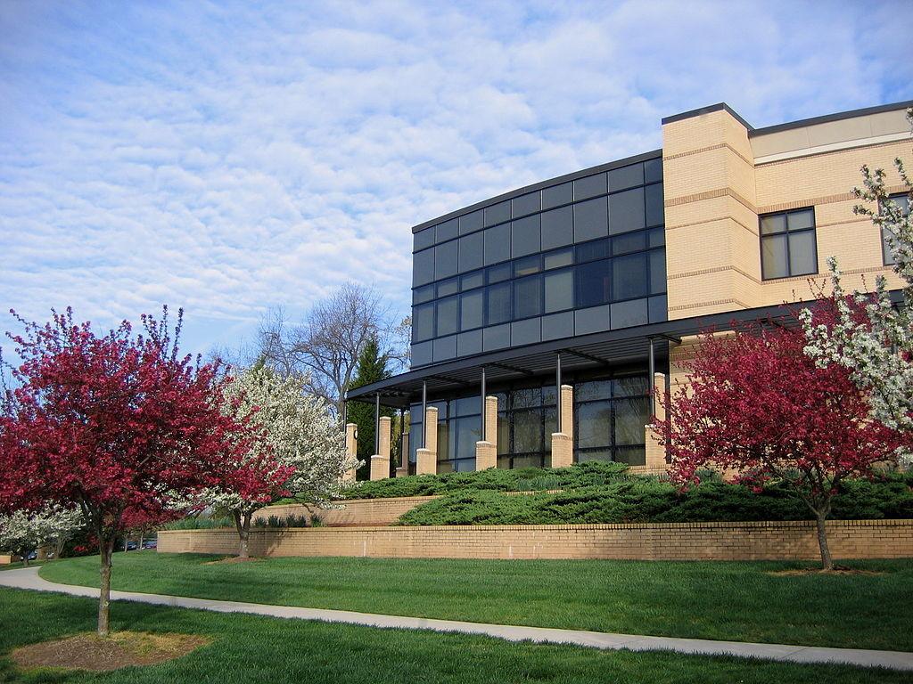 Здание семинарии Ун-та Боба Джонса