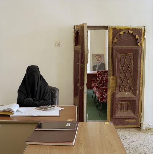 Альхам Абдульвазе Назели работает в йеменском Министерстве десятины и милостыни. Зарплата 67 долларов в месяц: