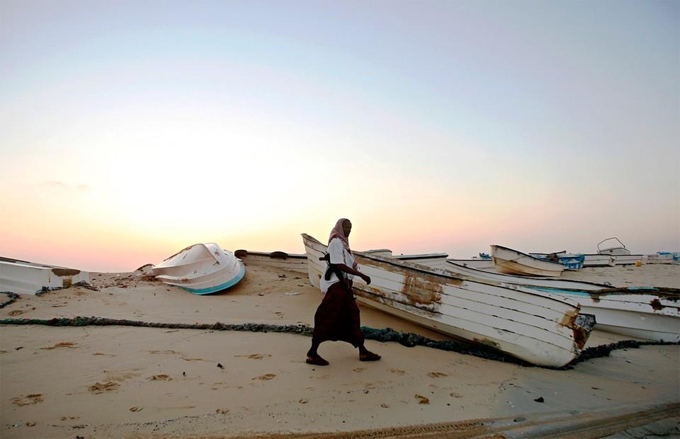 одки, обычно используемые для пиратских нападений. Хобьо, северо-восточное побережье Сомали, 4 января 2010 года. Фото: Mohamed Dahir / AFP / East News.