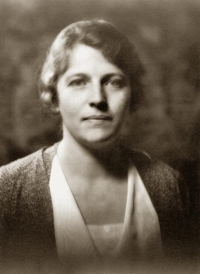 Перл Бак, китайское имя 赛珍珠, Sài Zhēnzhū. В КНР часто считается китайской писательницей
