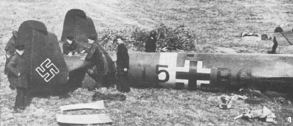 Хвост двухмоторного разведчика Do-215B-4, сбитого 7 августа западнее Москвы