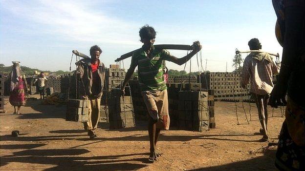 Чернорабочие стран «Третьего мира» всю жизнь живут в условиях «гигономики» - без постоянного трудоустройства, гарантий и прав