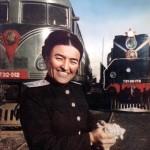 Первая женщина-машинист тепловоза Башарат Мирбабаева. Ташкент. Узбекская ССР. 1951 год.