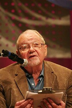 """Фредерик Джеймсон, неомарксист, автор реификации и других понятий, описывающих культурную логику позднего капитализма (т.н. """"постмодернизм"""""""