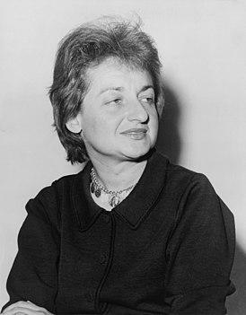"""Бетти Наоми Голдштейн (Фридман). Исходно была марксистской, многие её друзья пострадали в годы пика борьбы с """"красными"""" в 1940-50-х. К борьбе с несправедливостью в отношении женщин пришла от борьбы с более частной несправедливостью - антисемитизмом"""