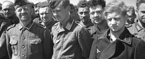 С советскими лагерями для военнопленных связана куча мифов, которые повествуют о небывалом трудолюбии немцев и о жестоких условиях их содержания. Жизнь бывших солдат вермахта и армий стран-сателлитов Третьего рейха рисуют как полную ледяного ужаса, голода и постоянных оскорблений. Но так ли это было на самом деле?