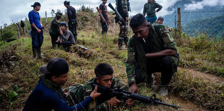 Обучение новых членов FARC (фото: Federico Rios Escoba)