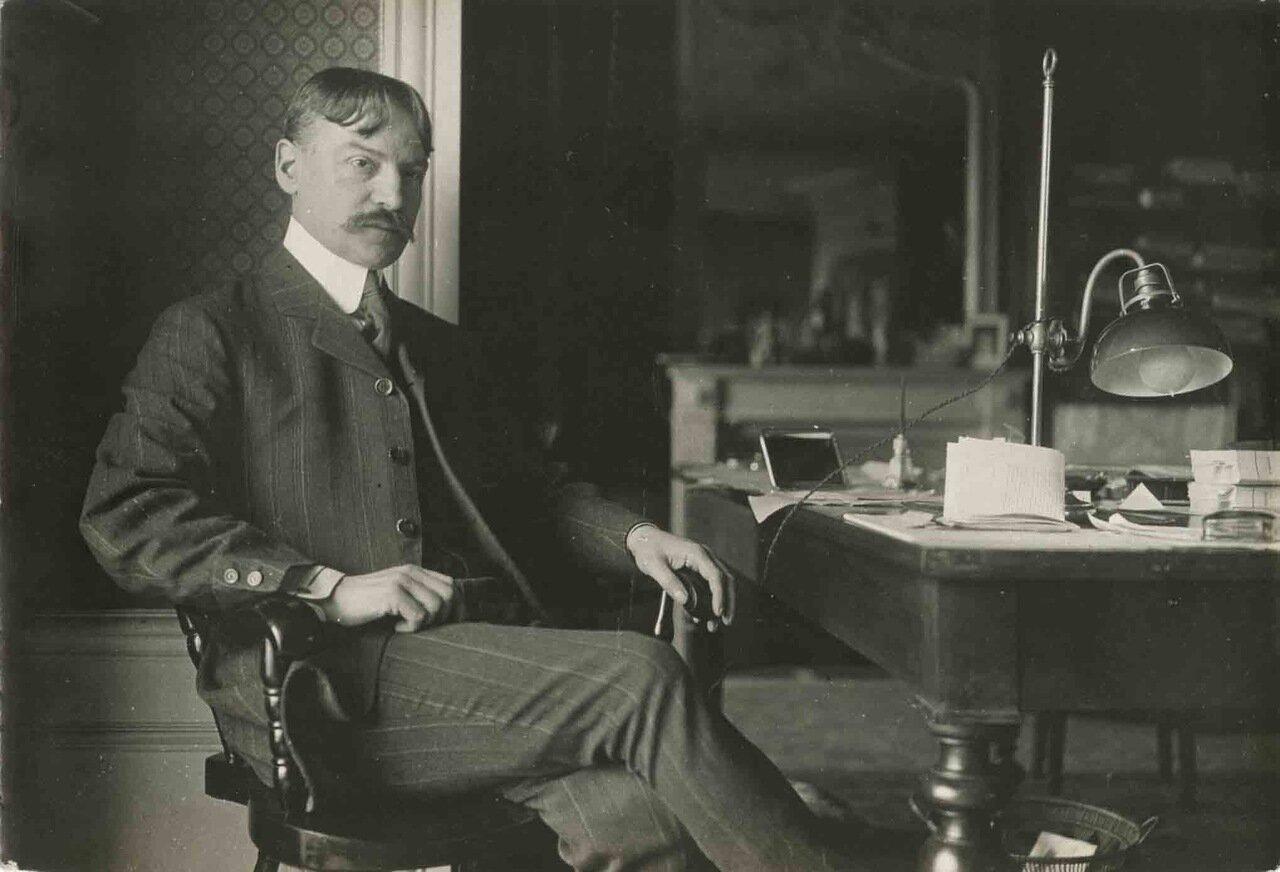 Жюльен Бенда (1867—1956), французский философ и писатель